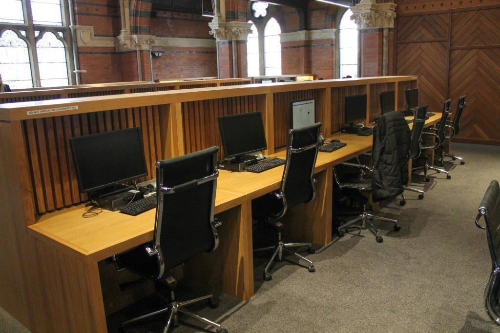 Bespoke workstations and reception for the Lynn Building at Queens University, Belfast